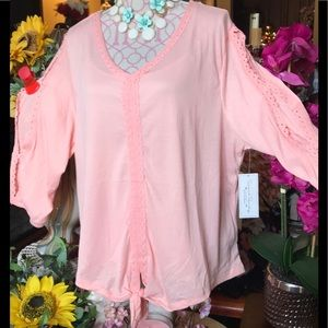 😳NWT Plus Size 3X Pretty in Floral Lace Trim Top